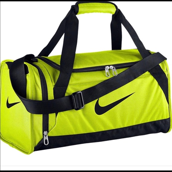 3ecf88200654 Nike Yellow Duffle Bag Gym Bag. M 5a5297575521beb888029229